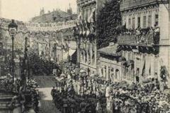 Défilé rue Bayard